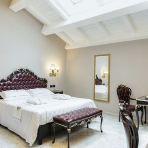Junior Suite con finestre a tetto 1